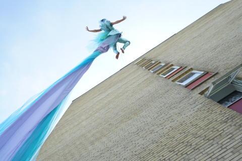 Vertikal dans på Gustav Adolfs kyrka under No Limit