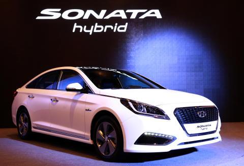 Hyundai på offensiven med hybrid