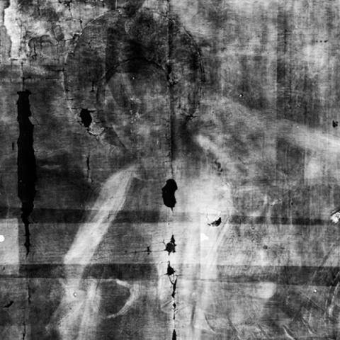 Bowes Museum panel Xray unmarked close up of King or wise man offering gift (photo credit Northumbria University and The Bowes Museum)