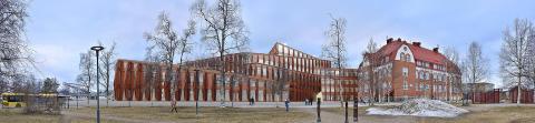Urbangreen bygger gröna tak på Kunskapshuset i Gällivare på uppdrag av Nåiden Bygg för ca 2,6 miljoner kronor
