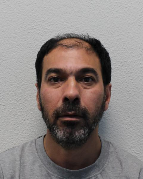 Man who threatened to set fire to himself in Kensington Town Hall convicted of attempting to commit arson
