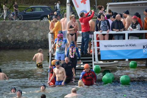 Mut verbindet - gemeinsam Anbaden in Kiel.Sailing.City