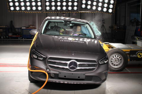 Mercedes-Benz B-Class Side crash test June 2019