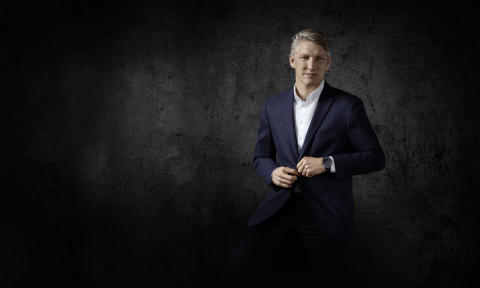Bastian Schweinsteiger wird zum Kampagnen-Gesicht der neuen Garmin MARQ Tool Watch-Kollektion