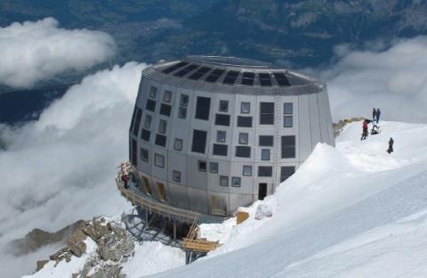 Høyteknologisk fjellhytte åpnet for 2015-sesongen  - Utviklet fremtidens energibygg på nesten 4000 meters høyde