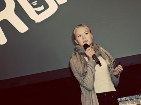 Elever gav kunnskapsministeren råd i kampen mot nettmobbing