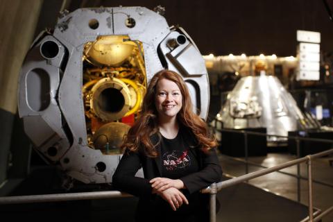 Bokaktuella Cecilia Hertz leder rymdvecka på Världsutställningen i Dubai  – se henne på SVT ikväll!
