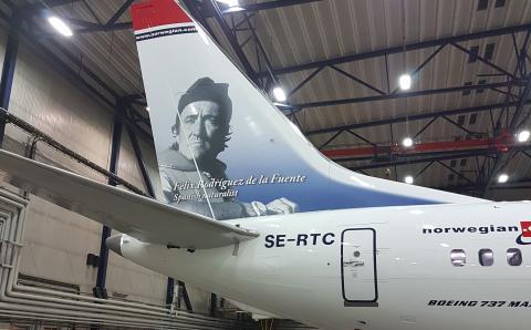 SE-RTC Rodríguez de la Fuente - Boeing 737 MAX 8 - estribor