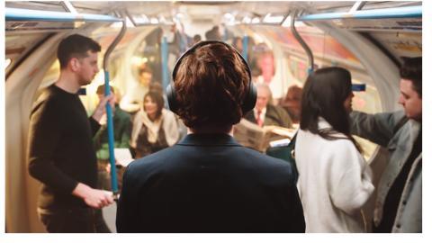 Only Music. Nothing Else. WH-1000XM4: in viaggio, a casa, in ufficio, ovunque: la magia della musica unita alla cancellazione del rumore per migliorare il nostro benessere
