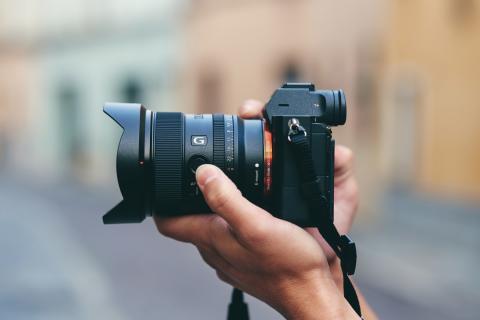 Sony extinde gama obiectivelor full-frame și lansează noul obiectiv fix superangular FE 20mm F1.8 G cu deschidere mare a diafragmei