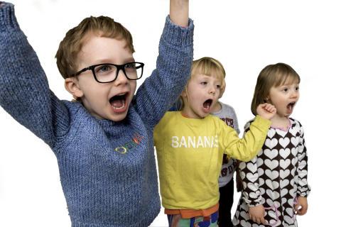 Rösträtt - sång på förskolan, sjungande barn vid Maria förskola