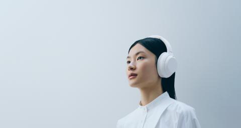 Sony lanza la nueva edición limitada WH-1000XM4 Silent White