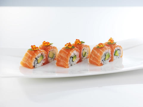 Karibumaki sushi med laks