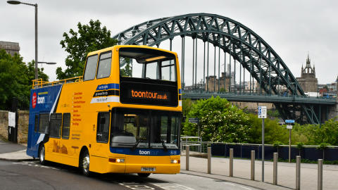 NewcastleGateshead Toon Tour with Tyne Bridge view