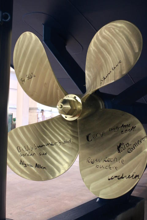 Selkie propoeller signed