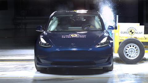 Tesla Model 3 Side crash test June 2019