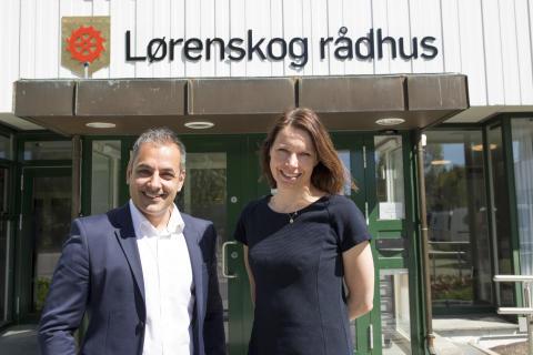 INNOVATIVE: Sidsel Nordhagen, teknologidirektør i Lørenskog kommune og Chandan Sethi i Sopra Steria digitaliserer Lørenskog kommune.