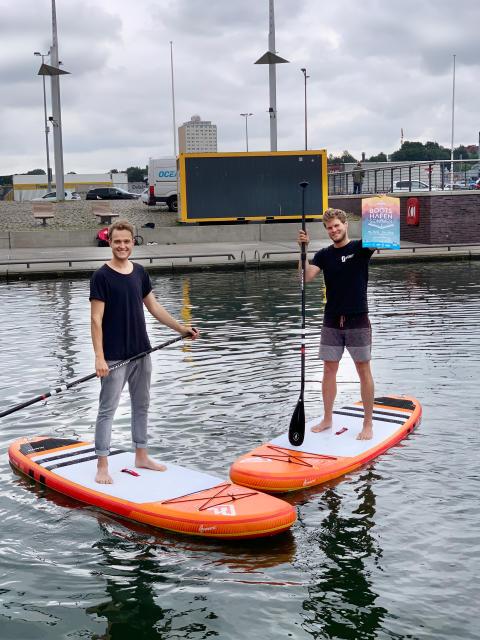 Der Kieler Bootshafensommer wird erwachsener - statt Kindersegeln gibt es SUP