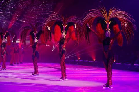 """HOLIDAY ON ICE: neue Show """"TIME"""" lässt die schönsten Augenblicke des Lebens Revue passieren"""