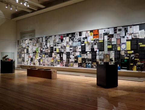 Från utställningen Freddie Wadlings kabinett