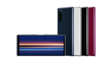 Xperia 5: rozrywka i twórcze możliwości w nowym smartfonie z flagowej serii Sony łączącym elegancki wygląd z niewielkimi wymiarami