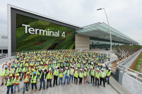 CAG staff, partners and contractors involved in T4 construction