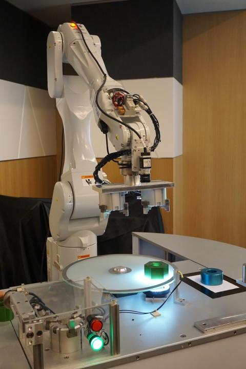 Epson Meluncurkan Robot Industri 6-axis Terbaru, Robot dengan Payload Tertinggi