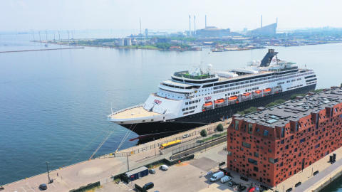 First cruise guests in almost two years visit Copenhagen
