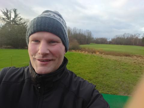 Jakob Andersen er veteran og vendte hjem med PTSD. Hans vej til arbejdsmarkedet var hård, men nu arbejder han for Hjortespring Golfklub