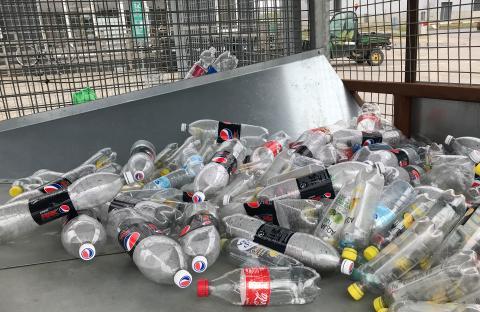 Horsens Kommune og Dansk Retursystem holder liv i brugte plastikflasker