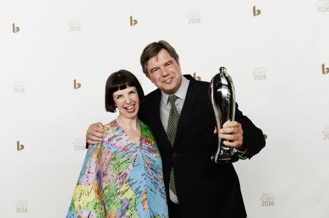 Årets Opera 2016 går til Det Kongelige Teaters modige nyklassikeropsætning af 'Powder Her Face'.