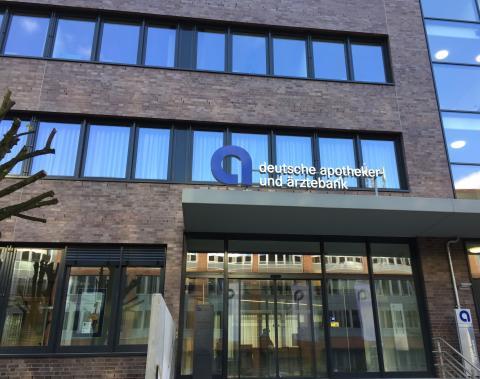 Filiale Hamburg in neuen Räumlichkeiten in der Alstercity