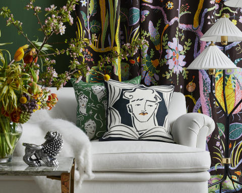 Svenskt_Tenn_Luke_Edward_Hall_Svenskt_Tenn_Luke_Edward_Hall_Cushion_Endymion_Black_50x50_3
