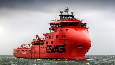 Første vindmølleskib klar til charter