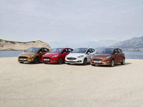 Ford Fiesta nové generace přijíždí rovnou ve čtyřech různých verzích. Je to technicky nejvyspělejší malý vůz na světě