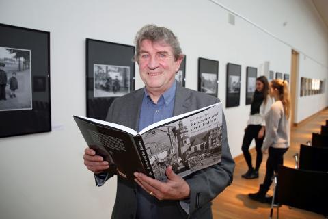 Reporter auf drei Rädern: Fotoausstellung und Bildband zum 100. Geburtstag von Karl Heinz Mai