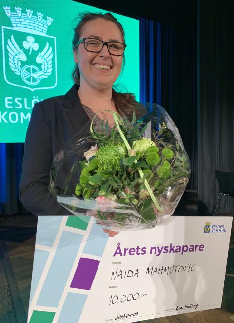 Naida Mahmutovic belönas med titeln Årets nykspare och 10 000 kronor.