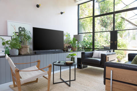 Living Room style with Sony ZF9 Soundbar 1a