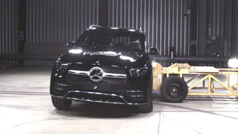 Mercedes-Benz GLE Side crash test June 2019