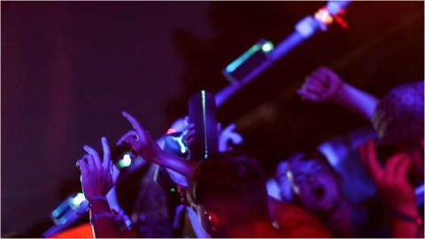 Sony a inauguré la première fête sous la douche à l'occasion du festival de musique de Benicàssim