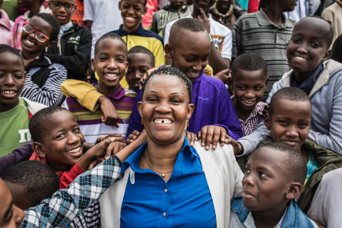Påminnelse: Idag möter barn på Gotland barnrättshjälte som kämpar för fattiga och föräldralösa barn i Burundi