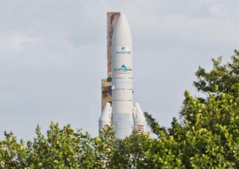 Eutelsat signe un nouveau contrat de lancement avec Arianespace