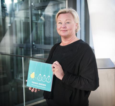 Nina Ryd, författare till boken Tidiga skeden