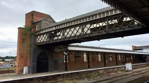 Luggage bridge to be restored at Worcester Shrub Hill