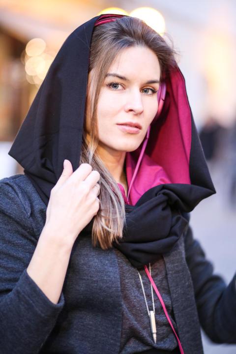 Klara Kowtun, jedna z projektantek duetu RISK Made in Warsaw w ulubionym zestawie RISK <3 SONY