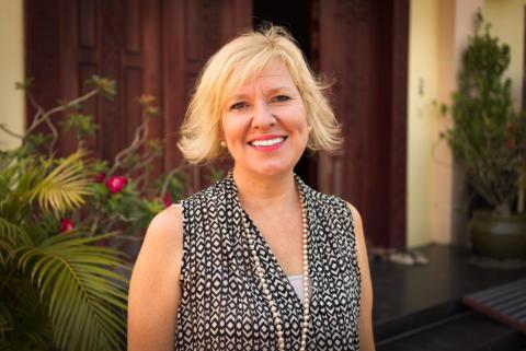 Dr Helen Sworn