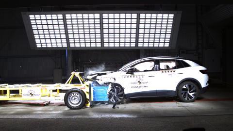 VW ID.4 Mobile Deformable Progressive Barrier test - April 2021.png