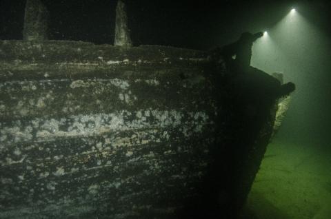 Over to hundre år gammel båt
