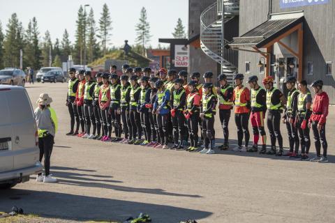 Stor kinesisk treningsgruppe