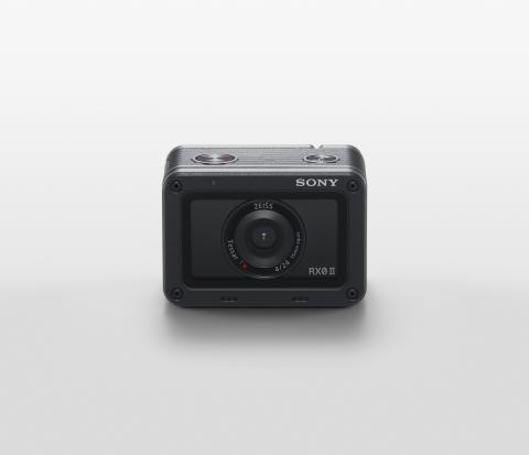 Sony_DSC-RX0M2_01